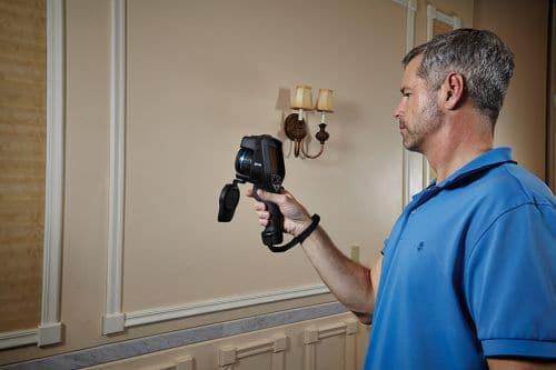 Wärmebildkamera FLIR Exx bei der Gebäude Inspektion