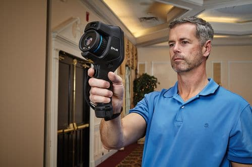 Wärmebildkamera FLIR Exx zur Inspektion von Gebäuden